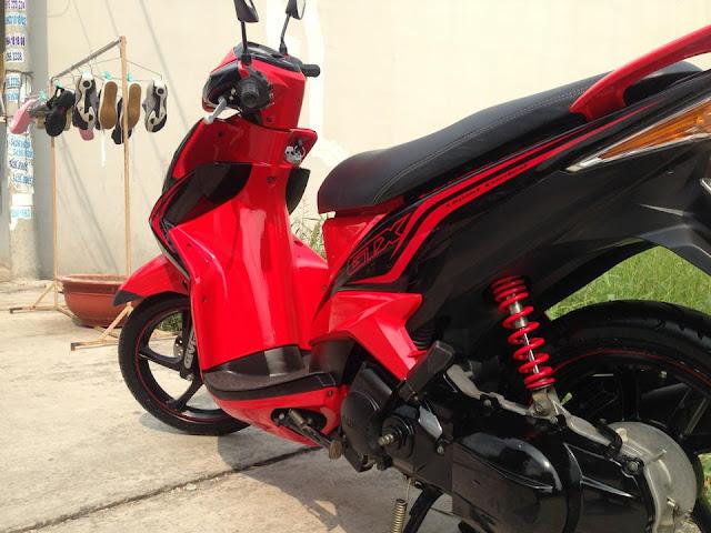 Mẫu Sơn xe Luvias màu đỏ đen