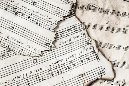 Tulisan Tidak Berfaedah Tentang Sebuah Lagu