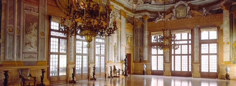 Ca-Rezzonico-Ballroom-Dorsoduro-Venice