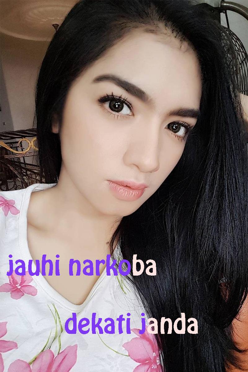 Meme Lucu mata indah dan manis JAnda cantik Angel KAramoy