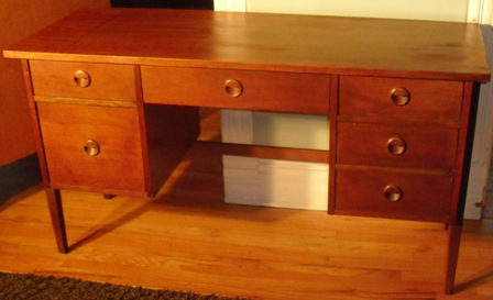 Stanley Furniture Danish Wool Pull Desk