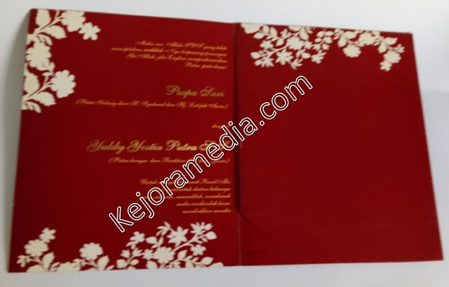 gambar undangan pernikahan warna merah