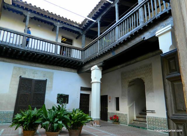 Pátio mudéjar no Museu Casa de El Greco, Toledo, Espanha