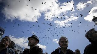 Οι συνταξιούχοι θα χάσουν επιπλέον 20 δισ. από τα νέα μέτρα της επόμενης διετίας