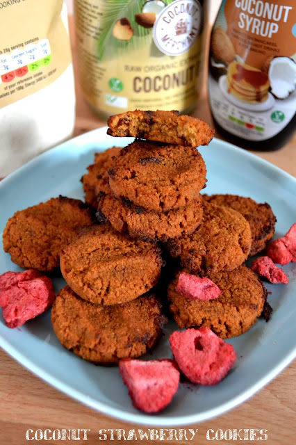 coconut and strawberry cookies