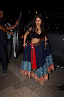 Shahrukh's Daughter Suhana khan at Bachchans Diwali Party