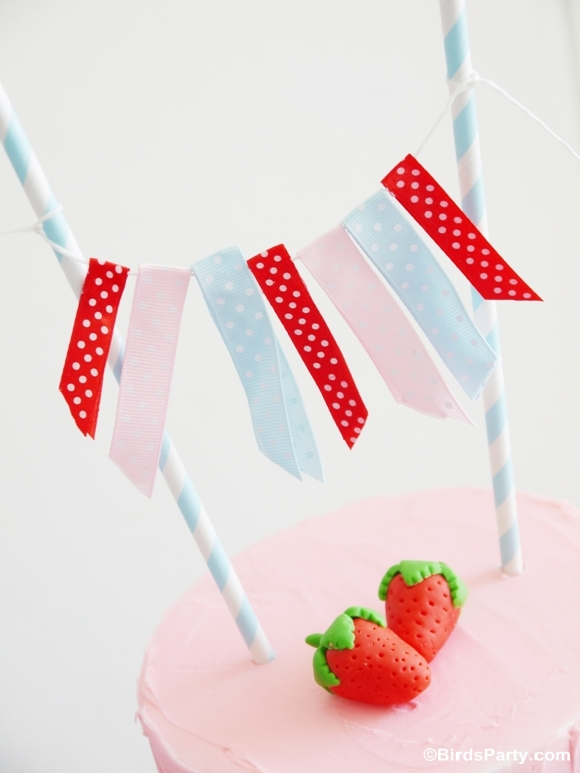 DIY Easy Strawberry Cake Recipe - BirdsParty.com