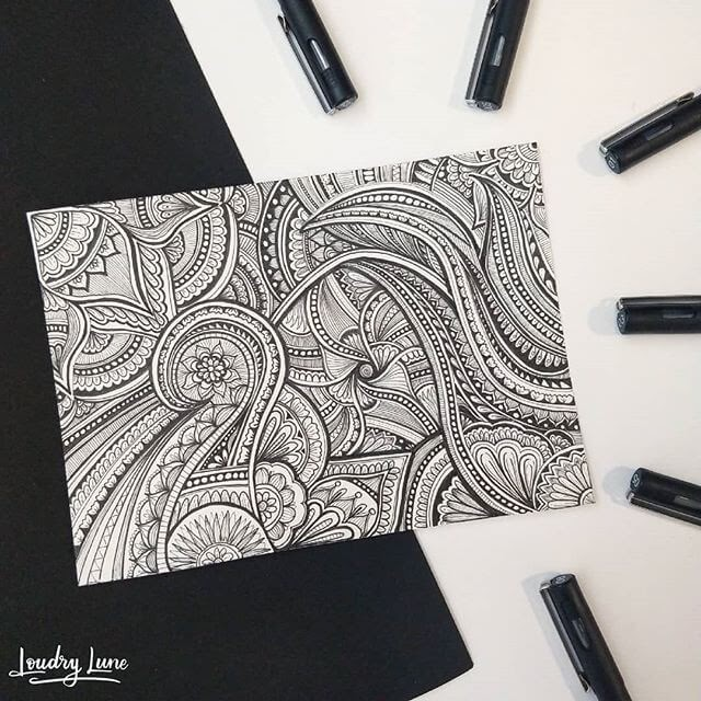 10-Complex-Doodle-Loudry-Lune-www-designstack-co