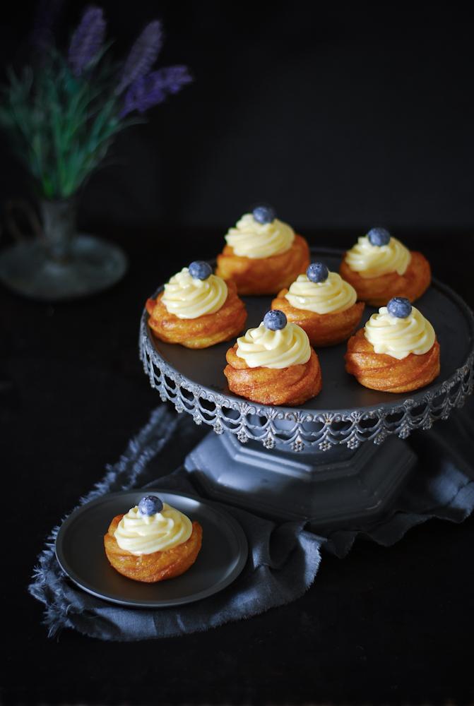 zeppole-pastry-cream-bunuelos-crema-pastelera-dulces-bocados