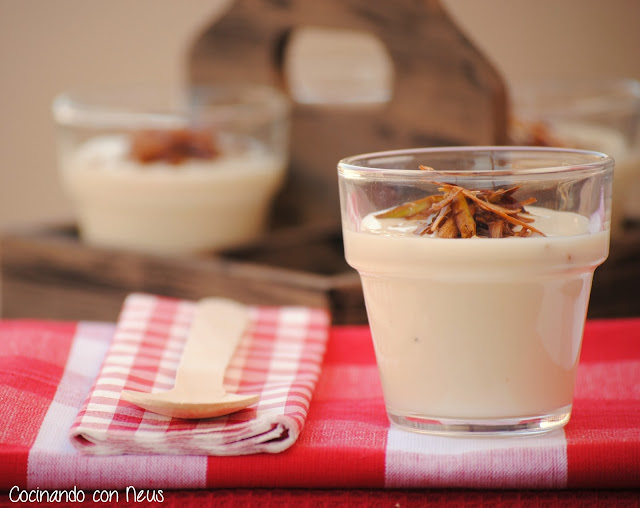 Crema de coliflor con crujiente de puerros y queso Boffard