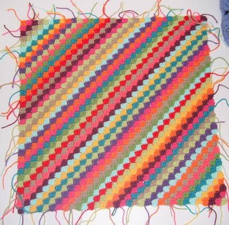 Tığ işi Çapraz Desenli Battaniye Modeli