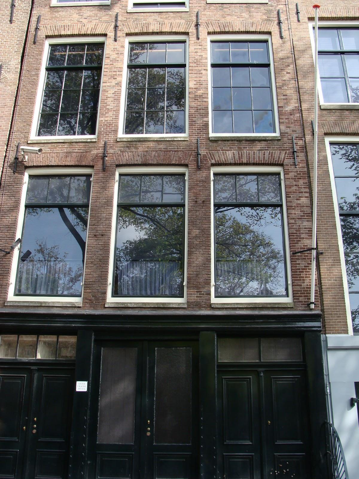 Patrícia de Paula - Street Photography: Anne Frank House ...