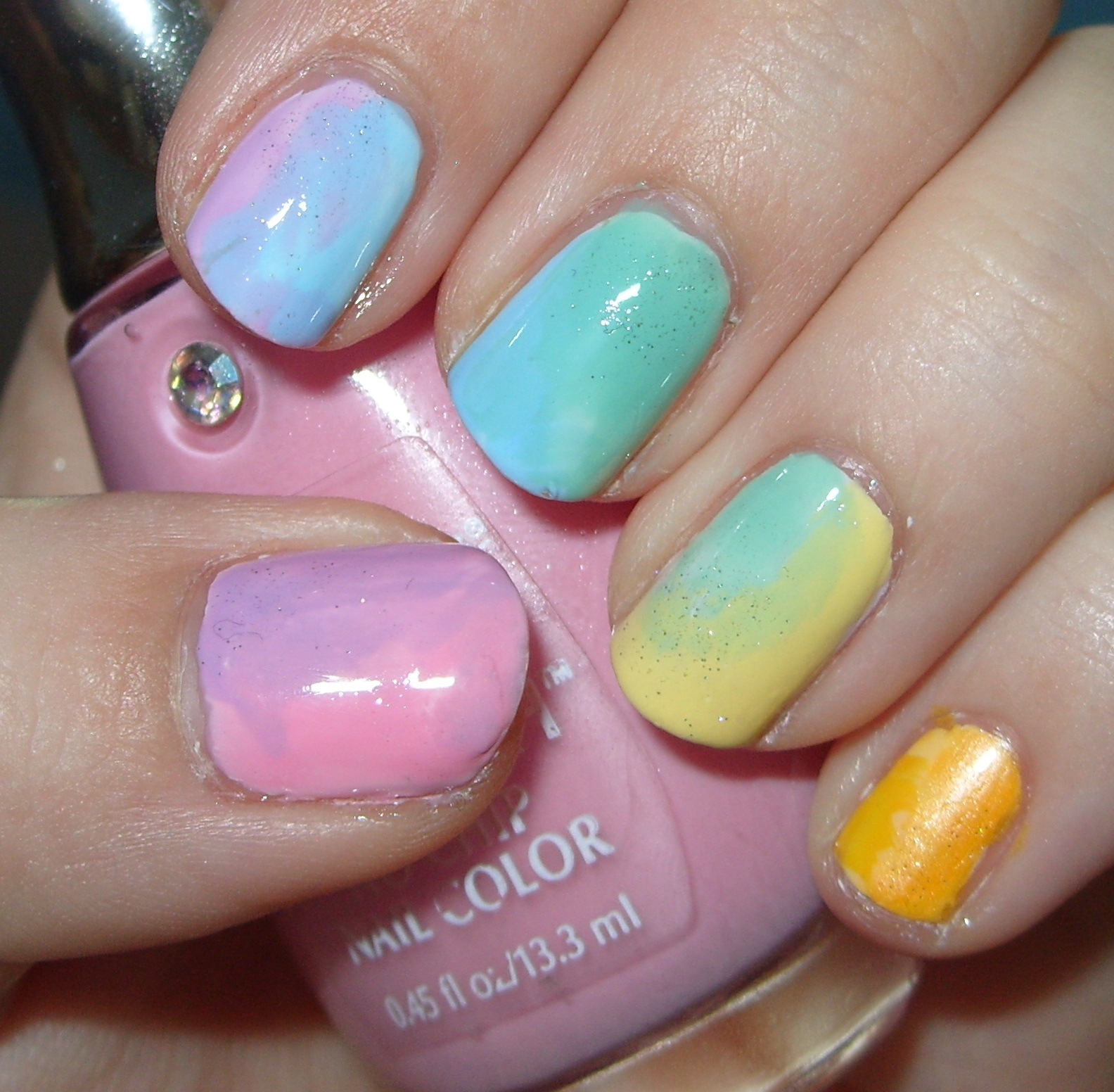 Gradient Nail Art: Sharihearts: Rainbow Gradient Nail Art
