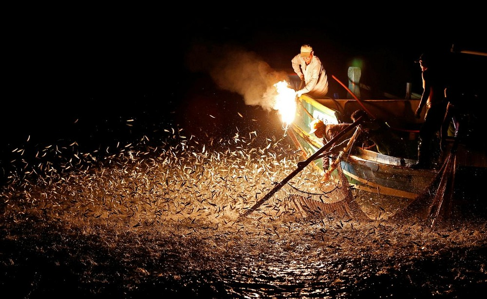 Jinshan Sulphuric Fire Fishing