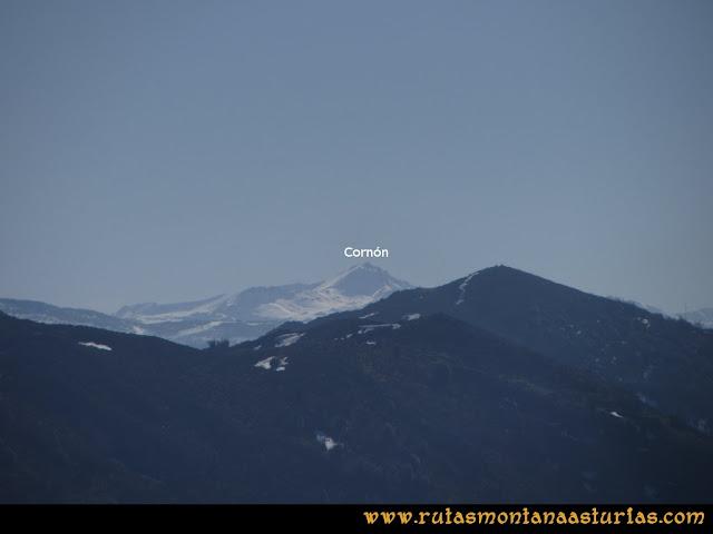 Ruta Linares, La Loral, Buey Muerto, Cuevallagar: Desde la Loral, vista del Cornón