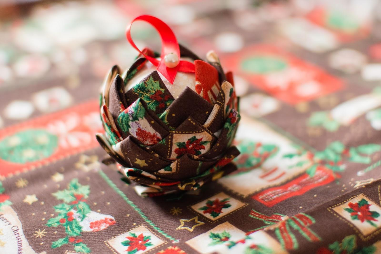 Estremamente CreativaMente!!: Palline di Natale di stoffa!  Tutorial! NA59