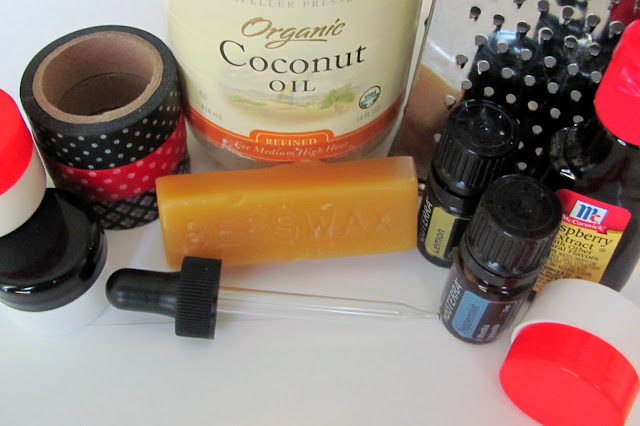 DIY Lip Balm - homemade lipbalm - simple to make!  #diy #homemade #chapstick #lipbalm #lips