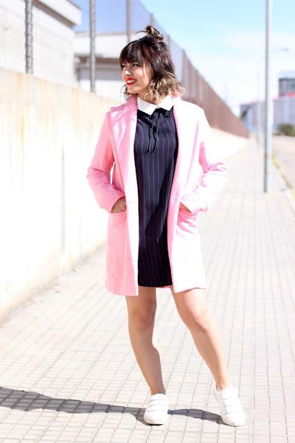 vestido-deportivas-reloj-abrigo