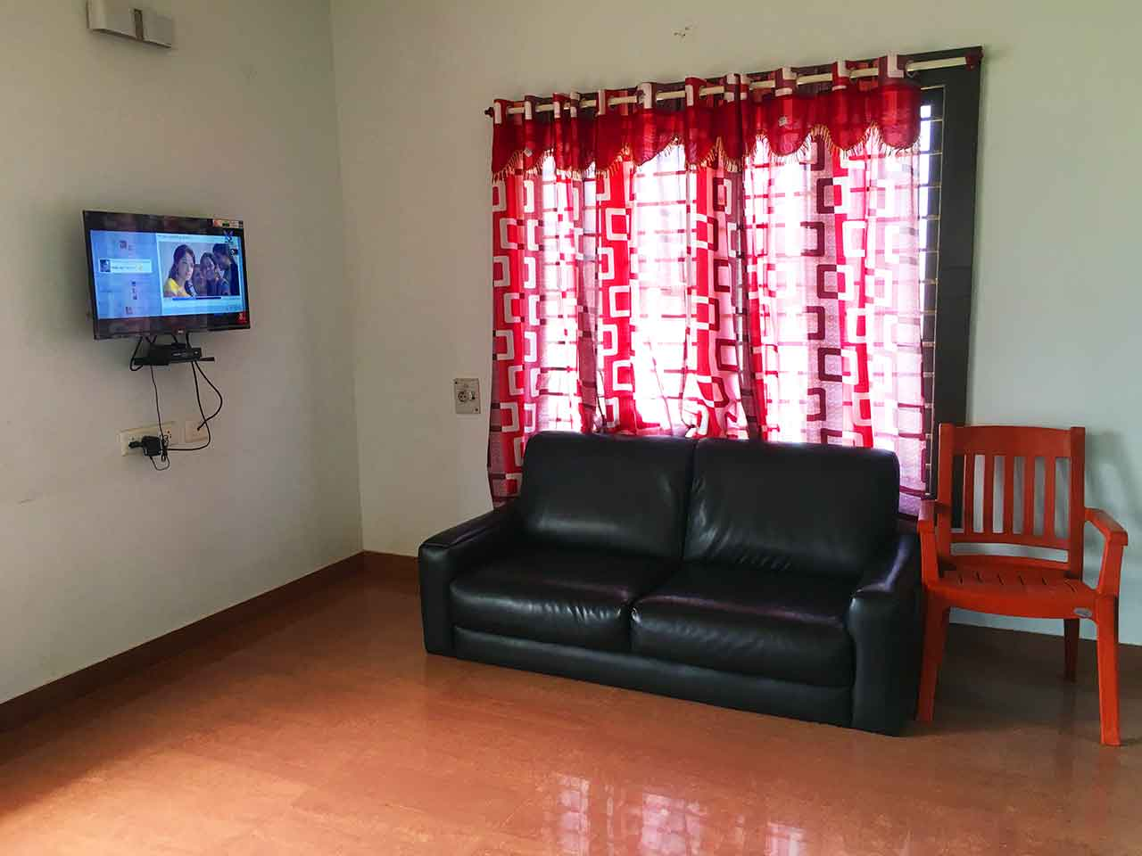 beach house below 15k in ecr