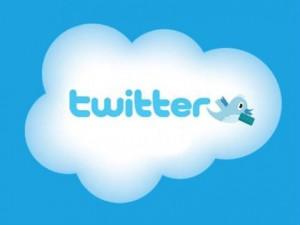 """Según un análisis de la aplicación Twopchart, el número de cuentas registradas actualmente en Twitter supera los 465 millones, y se espera que a finales de febrero se alcance la cifra """"mágica"""" de 500 millones de usuarios. La velocidad de crecimiento es espectacular si tenemos en cuenta que solo hace 8 meses que la popular plataforma de microblogging alcanzó los 300 millones de usuarios, en mayo de 2011. Actualmente se calcula que cada segundo se crean 11 nuevas cuentas en Twitter. Por otra parte, se estima que cada día se publican más de 250 millones de mensajes o tuits en"""