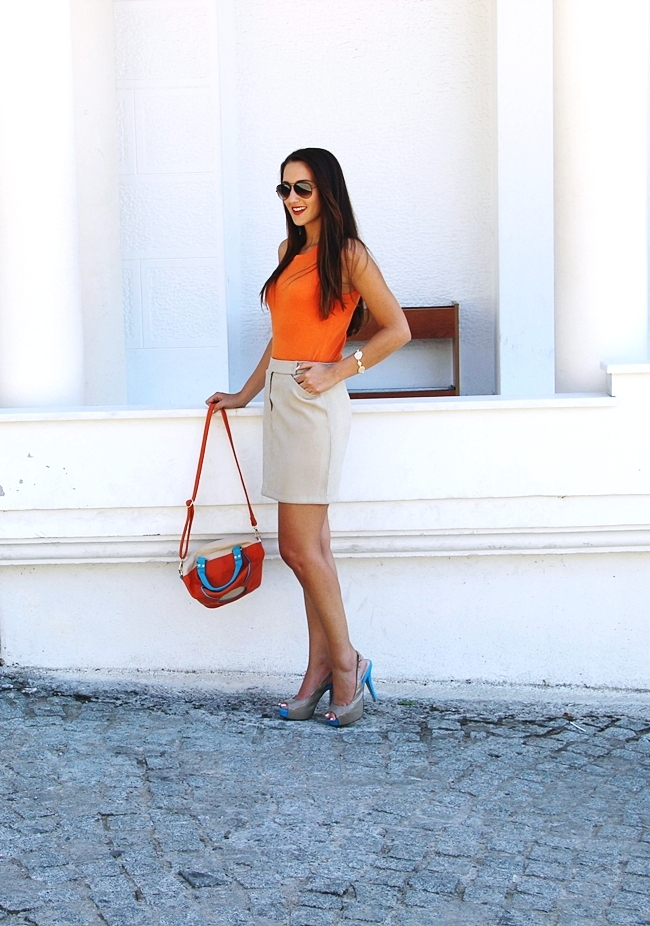 Mexx beige mini skirt.Orange knitted top.Taupe patent heels.Color block bag.Ray-Ban sunglasses.Fresh summer looks.Najbolji letnji outfiti.
