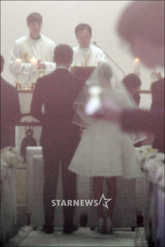 Nb K Netz Salty About Kim Tae Hee S Wedding Dress Netizen Nation