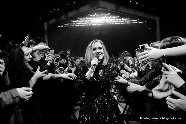 Foto Baru Adele di Instagram