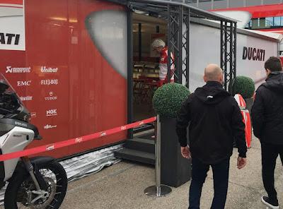 Terungkap Alasan Ducati Larang Lorenzo Musuhi Rossi