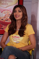 Shilpa Shetty super cute fit in Yellow T Shirt 20.JPG