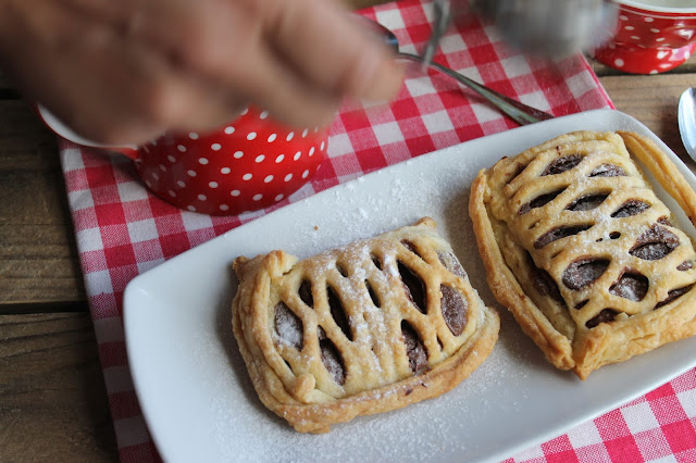 Crostatine di pasta sfoglia e nutella ricetta