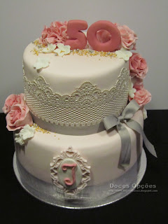 bolo decorado renda