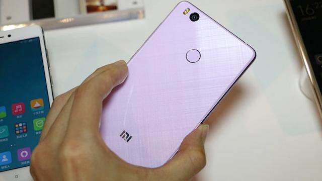 Đánh giá điện thoại Xiaomi Mi 4s (6)