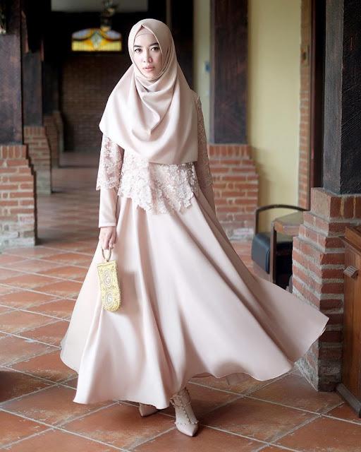 Model Gamis Brokat Modern yang Sedang Trend Lengkap dengan Tips Memilihnya