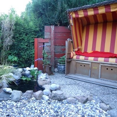 beach theme yard & garden design ideas
