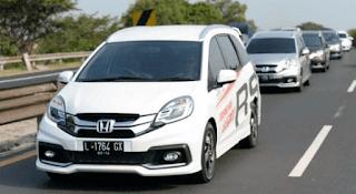 Pencapai penjualan Hondal Mobilio dalam sebulan tersebut berkontribusi cukup besar terhadap total penjualan low multi purpose veicle
