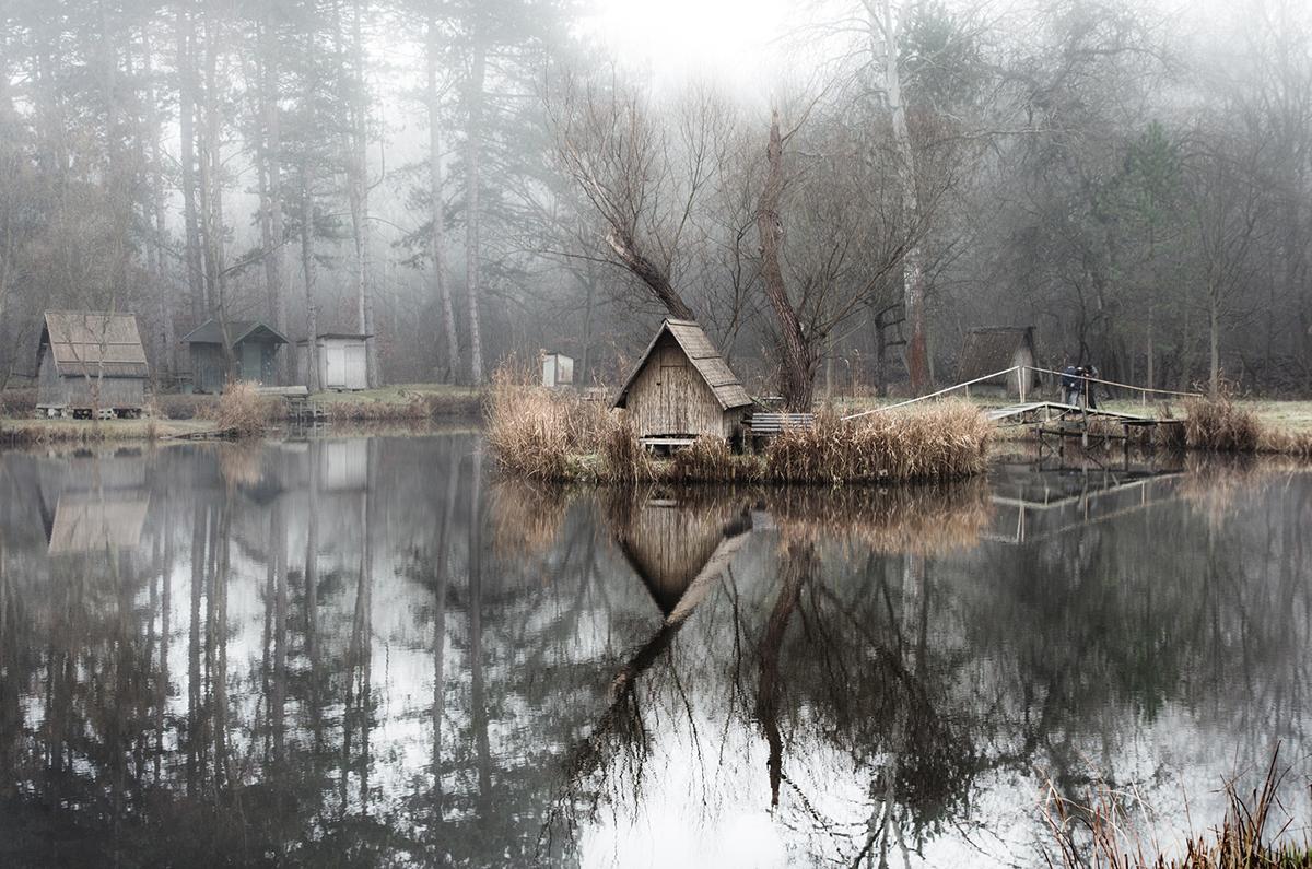 14-Viktor Egyed-Photographs-of-the-Enchanted-Fishing-Village-www-designstack-co
