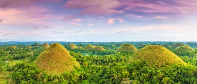 The Beautiful Chocolate Hills in Philipinnes