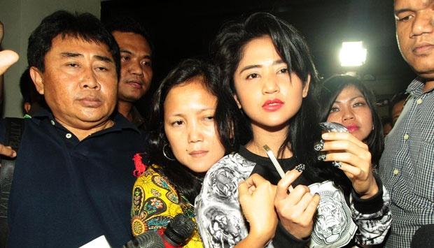 Dewi Persik Angkat Bicara Soal Saiful Jamin Dan Kini Saiful jamin menjadi Tersangka