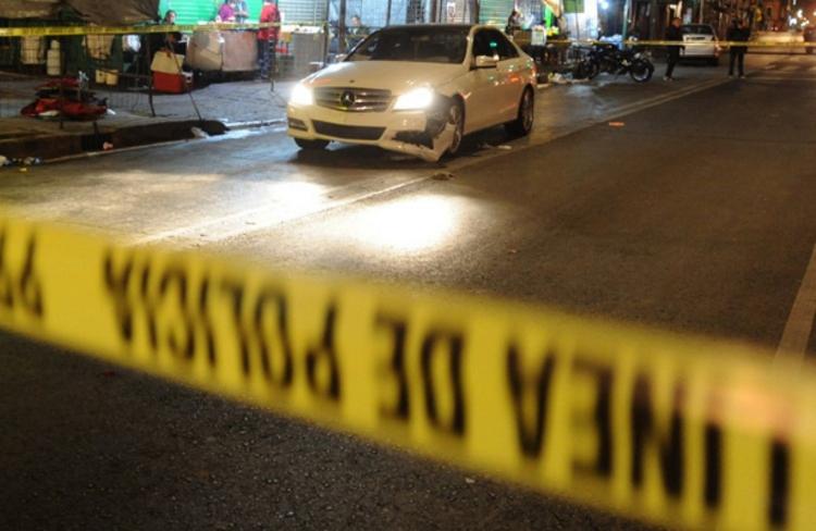 """Motosicarios ejecutan a una persona afuera de """"La Arena Mexico"""", hay dos heridos"""