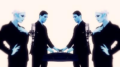 Think 80′s Madonna meets Pet Shop Boys meets Aqua and you get PARRALOX!