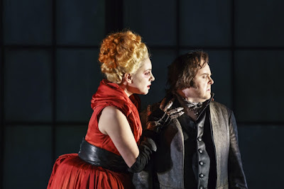 Donizetti: Roberto Devereux - Joyce El-Khoury, Barry Banks - Welsh National Opera (photo Bill Cooper)