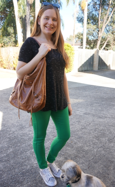 SAHM style black space dye tee green asos petite skinny jeans opshop finds | away from blue