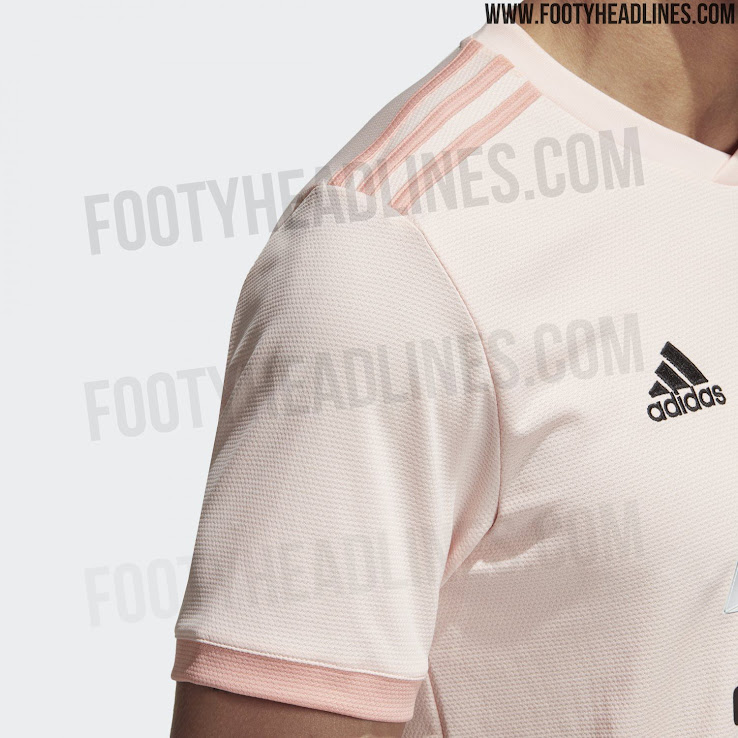 The Manchester United 2018-2019 away jersey is predominantly pink(!) 930d6cd54