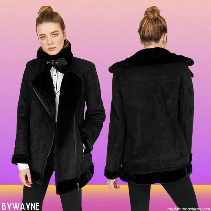 Moda otoño invierno 2019 camperas y sacos de mujer. │ Stradivarius abrigos, vestidos, pantalones y blusas otoño invierno 2019.