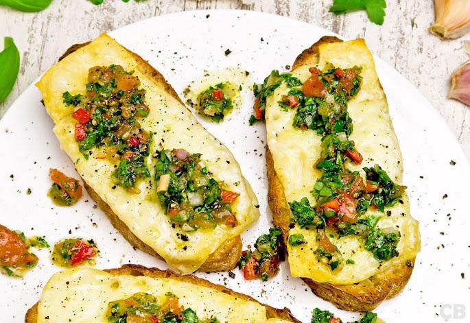 Recept Provolone op toast met Argentijnse chimichurri