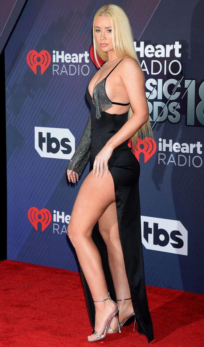 Iggy Azalae bares skin and curves at the 2018 iHeart Radio Music Awards