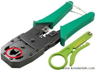 Bagian Crimping Tool Untuk RJ-45