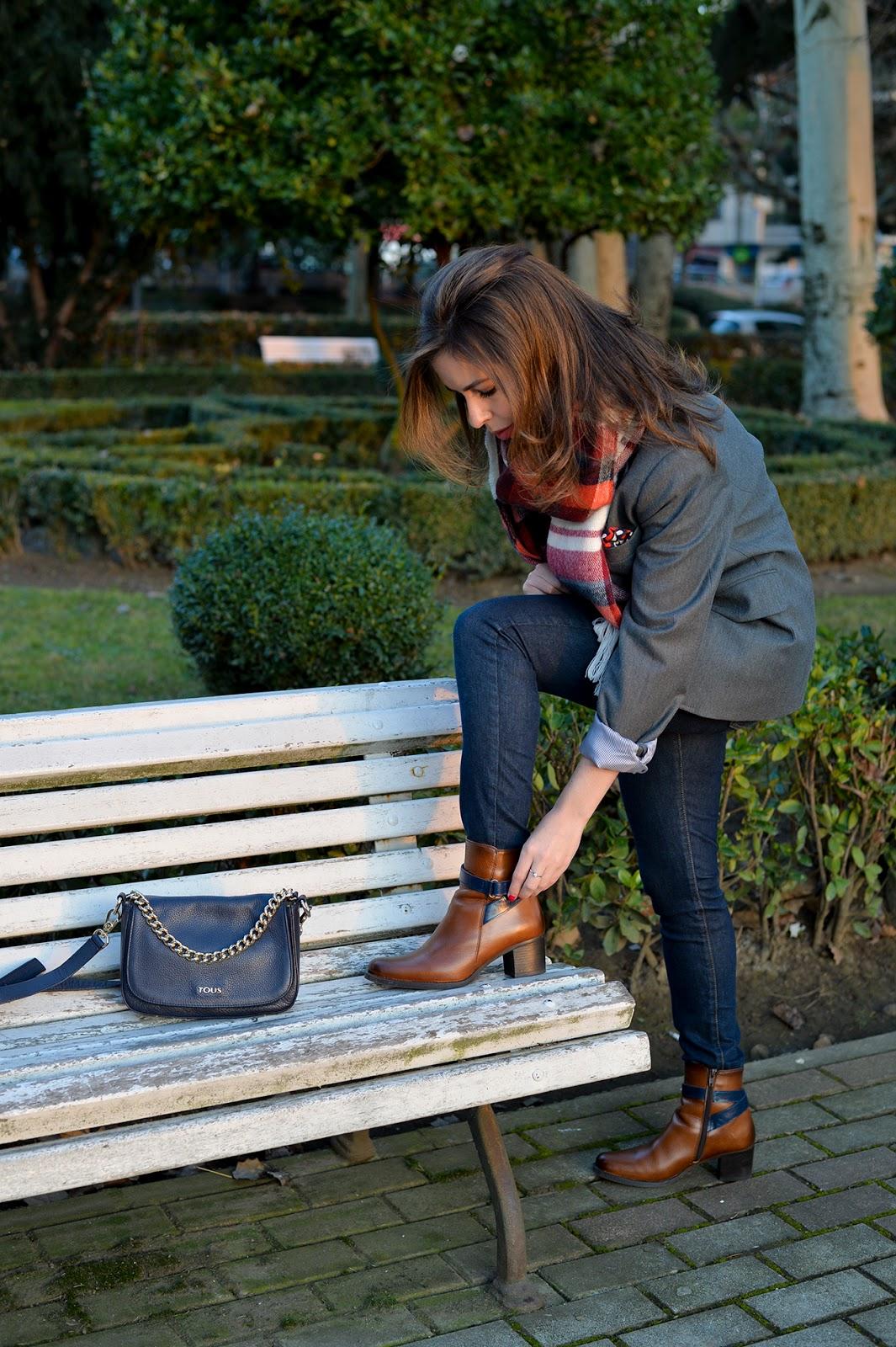 gray blazer El Ganso plaid scarf Abercrombie outfit fashion blogger