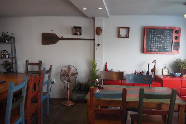 Interior of Pat-ZZII Cafe at Busan