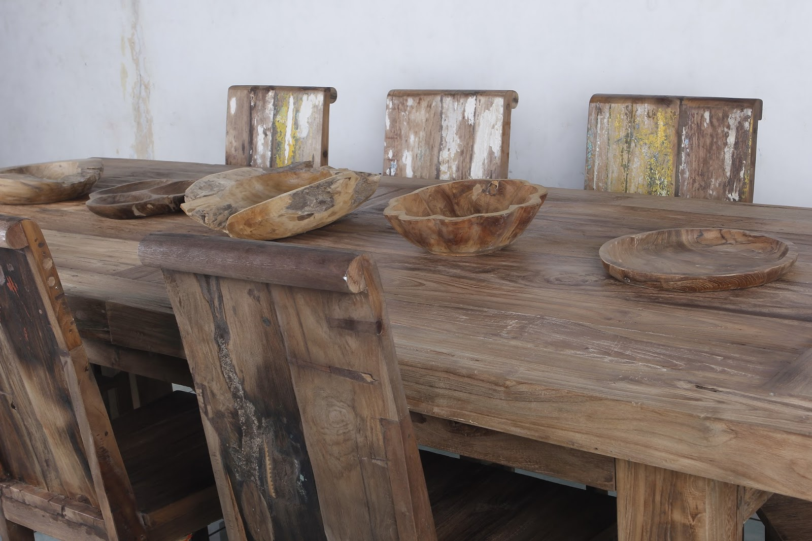 These kind of furniture is built and made by indonesian furniture artisans and selected raw material from old javanese wooden house holland building